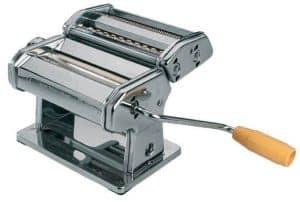 machine à pâtes avec manivelle